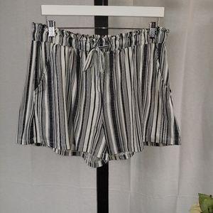 Eye Candy Striped Shorts 2X.     I07